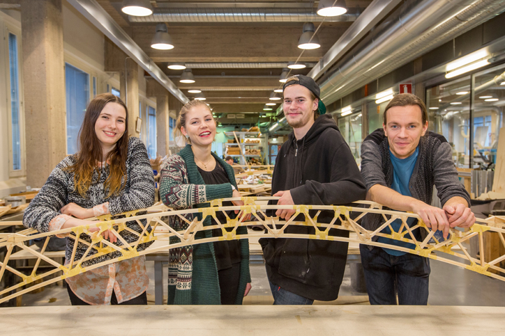 Students of architecture stand in the working class. Photo: Olli Häkämies